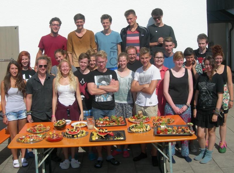 Gruppe von jungen Freiwilligen in der  FSJ-Denkmalpflege